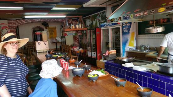 Taqueria Mexico Lindo : The bar where you order