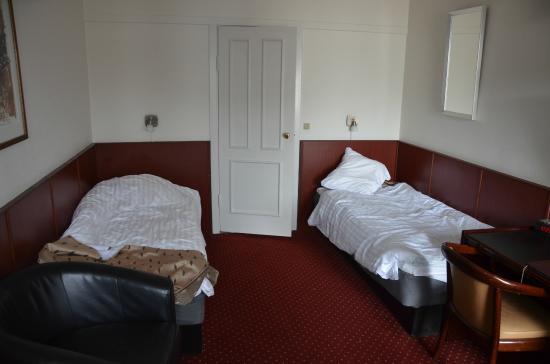 Hotel La Tour: Room