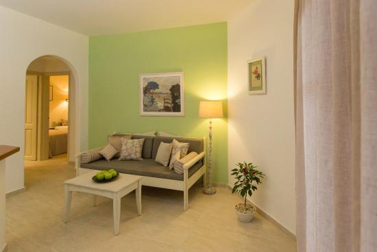 Agrimia apart 39 hotel platanias gr ce voir les tarifs for Appart hotel 41