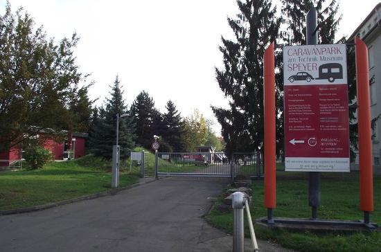 Hotel am Technik Museum : area for camper