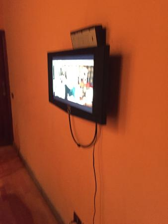 Luxury Manfredi Apartments: The only TV we had