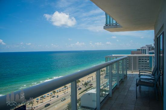 Hilton Fort Lauderdale Beach Resort King Oceanfront Suite