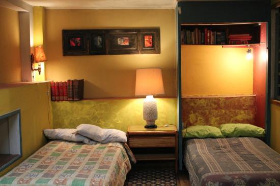 Casa agua canela 9 1 8 prices hostel reviews for Design hotel quito