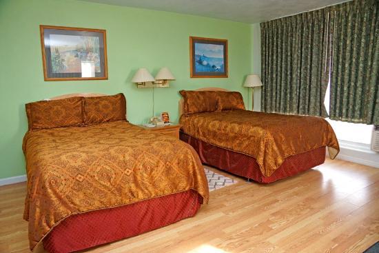 Beachwalk Inn: standard room