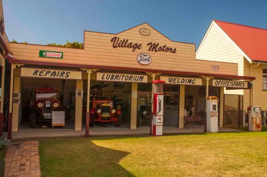 Hervey Bay Historical Village & Museum: Garage