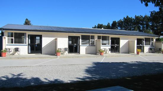 Cromwell Motel : Studio and 1 Bedroom units, north facing parking directly outside unit