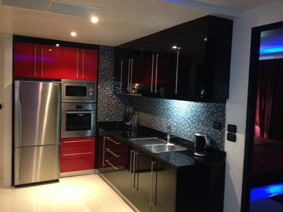 Absolute Bangla Suites: Beautiful kitchen