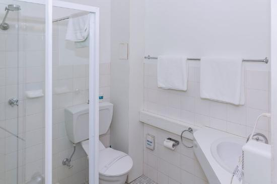 Comfort Inn Redleaf Resort: Bathroom