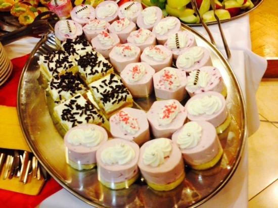Primavera Hotel & Congress Centre : Tasty desserts