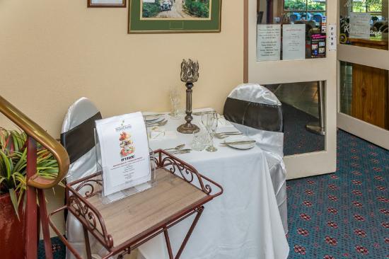 Comfort Inn Redleaf Resort: Foyer