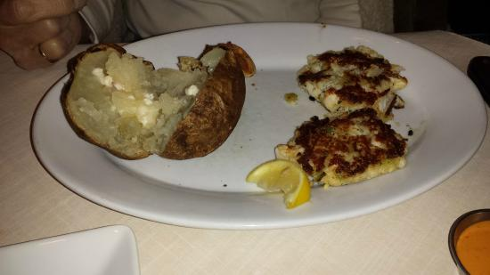Ruby Tuesday Crab Cake Combo