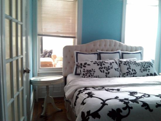 Serenity at Home Guest House LLC