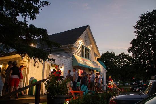 Ice Cream Cafe: Summer
