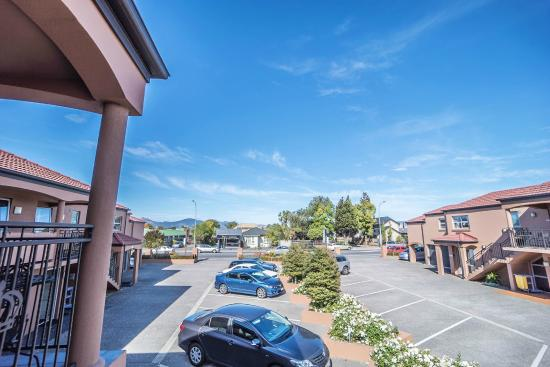 162 Kings of Riccarton Motel: Car park