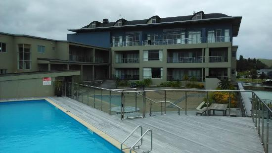 Marinaview Apartments : Zona de piscina