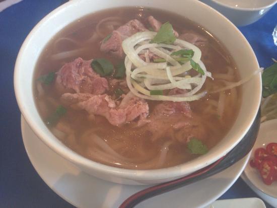 Song Nhi Vietnamese : Beef pho
