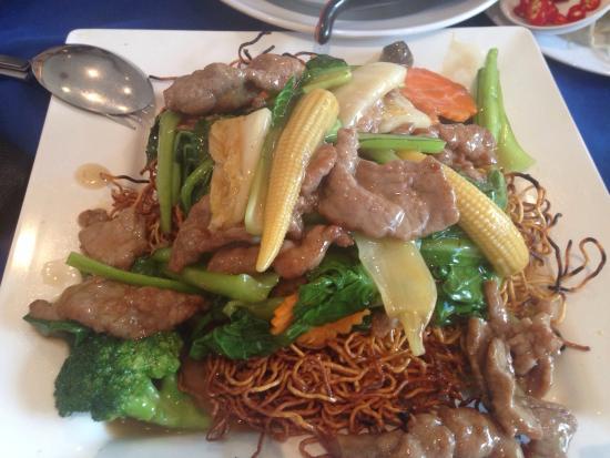 Song Nhi Vietnamese: Fried noodles