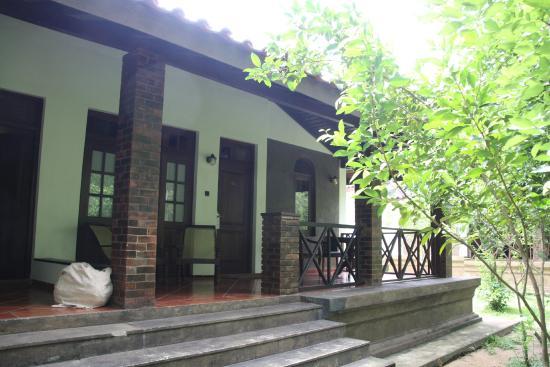 Room picture of palm garden village hotel anuradhapura for Garden room reviews