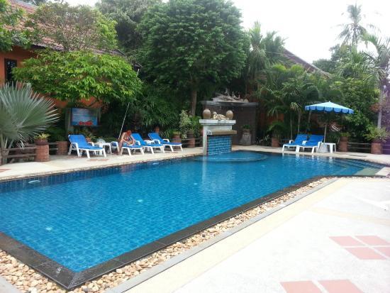 Vanida Garden Resort: бассейн
