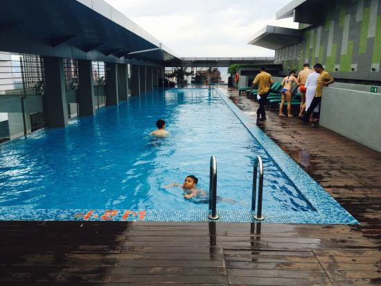 the rooftop swimming pool picture of parkroyal serviced suites kuala lumpur kuala lumpur