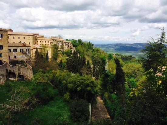 Villa Rioddi: looking towards San Gimignano from Volterra
