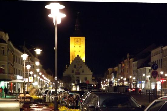 Alte Rathaus (Old Townhall): Well illuminated town