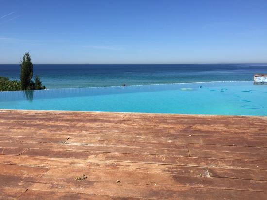 Villa biarritz zahara de los atunes spanien omd men for Piscinas naturales zahara delos atunes
