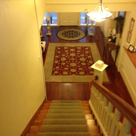The Devereux Boutique Hotel: view on top of the stairs towards main door