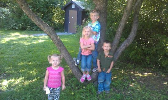 Cass City, MI: Kids at the entrance of SCPSP