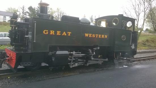 Y Talbot: Rheidol Steam Engine shunting around to recouple