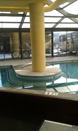 Super 8 Pigeon Forge Near The Convention Center: This is the pool.. if you like to swim maybe this isnt the place for you... but if you dont care