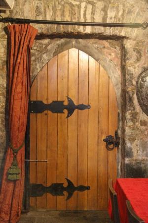 Ballyhannon Castle Castle Doors & Castle Doors - Picture of Ballyhannon Castle Quin - TripAdvisor