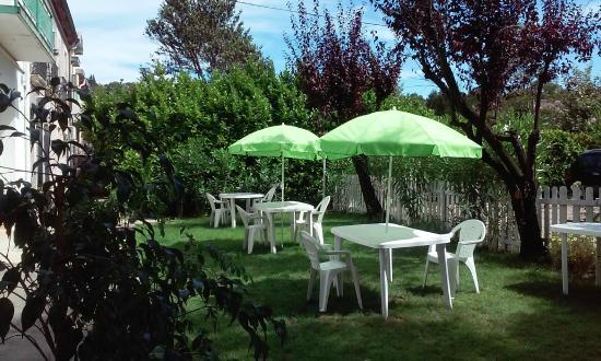 Salon Jardin Casa Blanca – Qaland.com