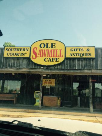 Ole Sawmill Cafe: Front of store