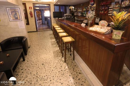 Hostal Lido: Bar