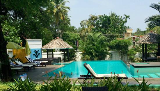 Swimming Pool Picture Of Old Lighthouse Bristow Hotel Kochi Cochin Tripadvisor