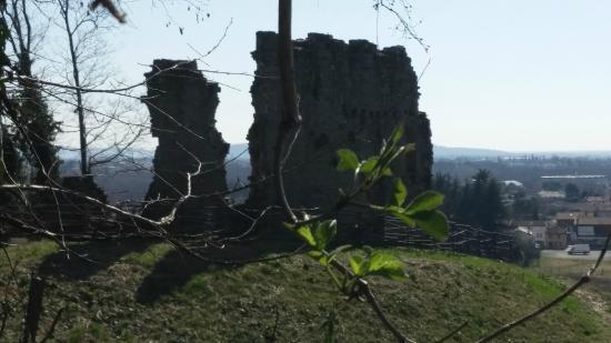 Manzano, Italy: Vestigia del Castello da monte