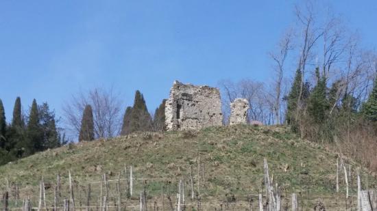 Castello di Manzano