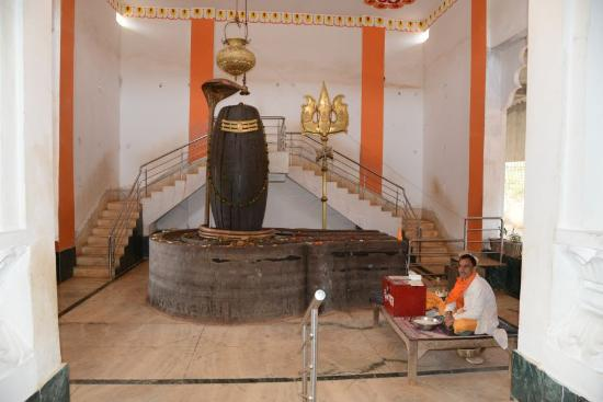 Amarkantak, India: Shivling at Amreshwar Temple