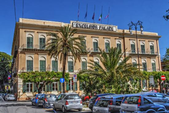 Hotel Mercure Palermo Via Marchese Ugo