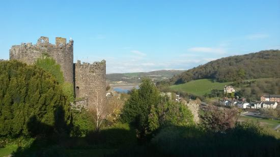 Bryn Guest House: View from room of castle walls and valley beyond