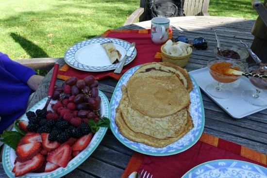 Inn at Moler's Crossroads : a delicious crepe breakfast by Cindy (Heather's sister)