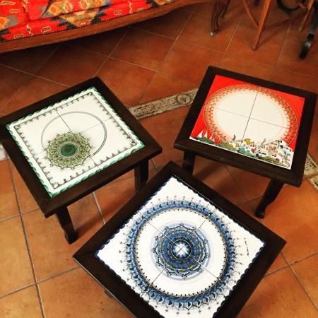 Nuovi tavolini per le camere da letto in ceramica vietrese ...