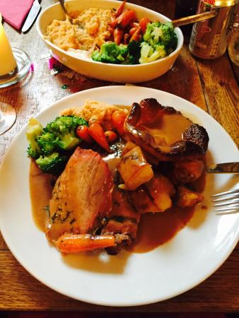 The Snug Restaurant: BOOK NOW 12 or 2.30 Sunday lunch!