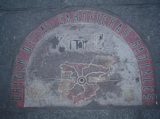 L 39 orso simbolo di madrid picture of puerta del sol for Placa km 0 puerta sol