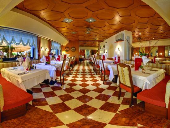 Taushof Hotel: Speisesaal