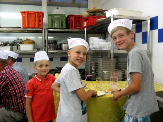 Taushof Hotel: wöchentlich findet unsere Küchenparty statt