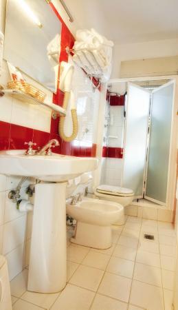 Hotel Sabbie d'Oro: bagno doccia