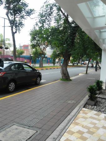 Ibis Larco Miraflores: em frente ao hotel