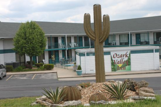 Ozark Valley Inn: entrance